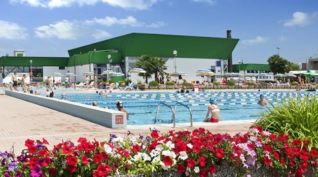 cnc-piscina-esterna03