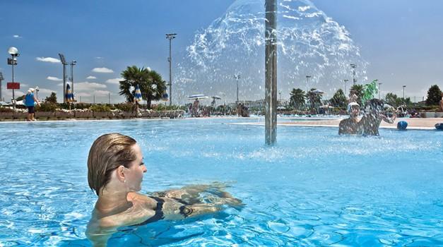 cnc-piscina-esterna04