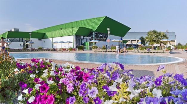 cnc-piscina-esterna05